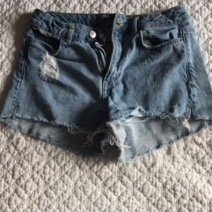 Light Wash Jeans Shorts*